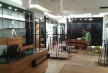sprzatanie lokalu w galerii handlowej