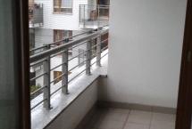 montaż siatek przeciw ptakom na balkonie