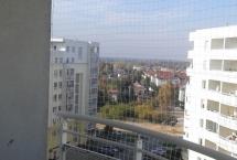 zabezpieczenie na balkon siatką